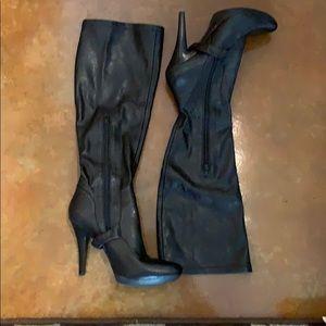 Nine West Soft Leather Black Boots Size 8M